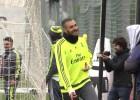 Karim ha vuelto feliz: goles y 'bailecito' en el entreno