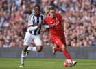 El Liverpool empata con la cabeza puesta en el Sevilla