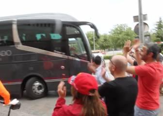 Arranca el camino: la afición despide al Atleti en el Calderón
