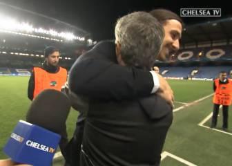 El abrazo y las palabras de afecto entre Mourinho e Ibra