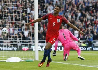Mou se relame con Rashford: debut y gol a los dos minutos