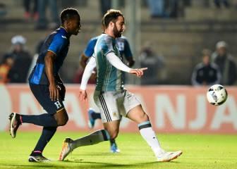 La lesión de Messi eclipsa el golazo de Higuaín