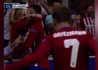 El Vine del beso de Carrasco con su novia al marcar el gol
