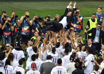 El GIF del manteo de la plantilla del Madrid a Zidane