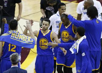 Los Warriors se ponen a un triunfo de lograr otro anillo