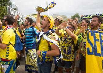 El triunfo del Cádiz comenzó en las calles: ¡Qué ambientazo!
