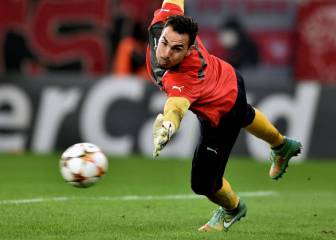 Las mejores paradas de Roberto, fichaje del Espanyol