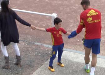 La imagen más tierna: el hijo de Juanfran saludó a Ramos