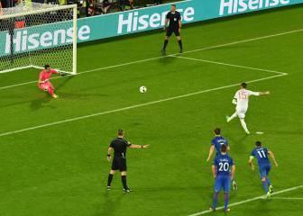 Subasic paró el penalti a Ramos claramente adelantado