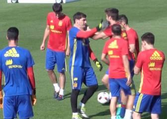 Colleja de Casillas a Piqué por querer humillarle otra vez