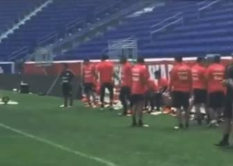 La espectacular rabona de Vidal en la práctica de la Roja