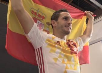 El making of de la foto de Koke con la bandera de España