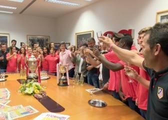 Las Féminas y los Juveniles visitaron AS con sus Copas