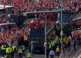 Cardiff responde a Gales con un recibimiento multitudinario