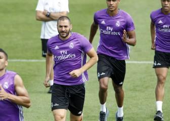 Benzema mejora de sus molestias y corre con el resto