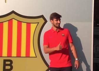 André Gomes se hizo la foto ante las oficinas del Barça