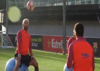 ¿Cuántos toques de cabeza pueden dar Messi y Suárez?