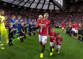 Old Trafford rinde tributo a Rooney: pelos de punta