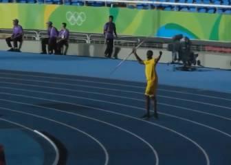 Bolt vale para todo: ¡increíble lanzamiento de jabalina!