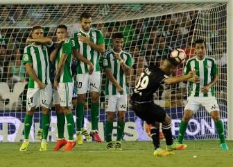 Betis y Deportivo firman las tablas en un partido flojo