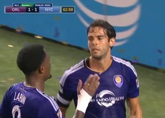 Doblete de Kaká con poco estilo: de rebote y penalti