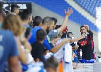 Baño de masas de Diego López en su bienvenida al Espanyol
