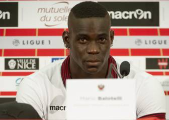 La reacción de Balotelli a esta pregunta de la noche en Niza
