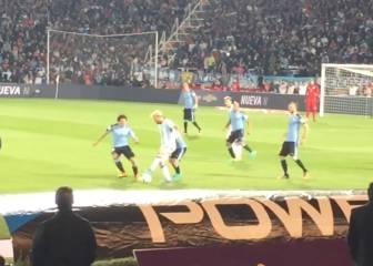 El caño de Messi a Corujo visto desde la grada