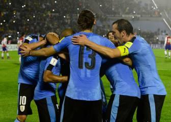 Uruguay se divierte y vence a Paraguay en el Centenario