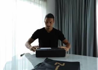 El 'trolleo' de Ibrahimovic a Bravo: ¿Qué paquete le envió?
