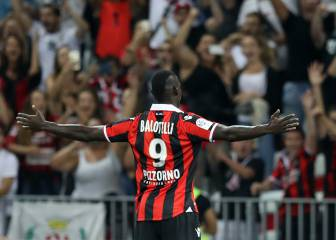 Mario Balotelli hits a brace to get his Nice career off to a flyer