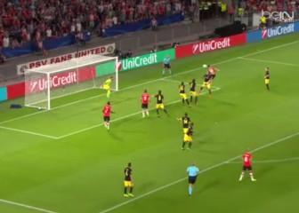 Gol anulado al PSV cuando el partido iba empate a cero