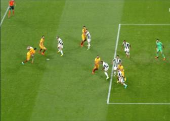 El penalti que reclama Rami en una jugada de estrategia