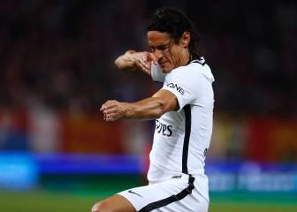 Cavani bailó sobre las críticas: cuatro goles en 45 minutos