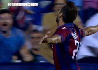 Victoria del Levante que seguirá líder de LaLiga 1|2|3