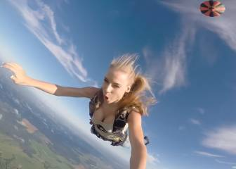 Anastasia Barannik y el salto en paracaídas más sensual