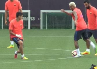 Neymar no tiene piedad: ¡caño y 'toreo' a un canterano!