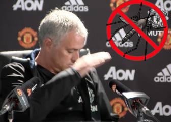 Mourinho mató a un mosquito durante la rueda de prensa