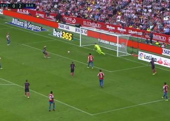 La ira de Alcácer al dar al palo y el amago top de Neymar