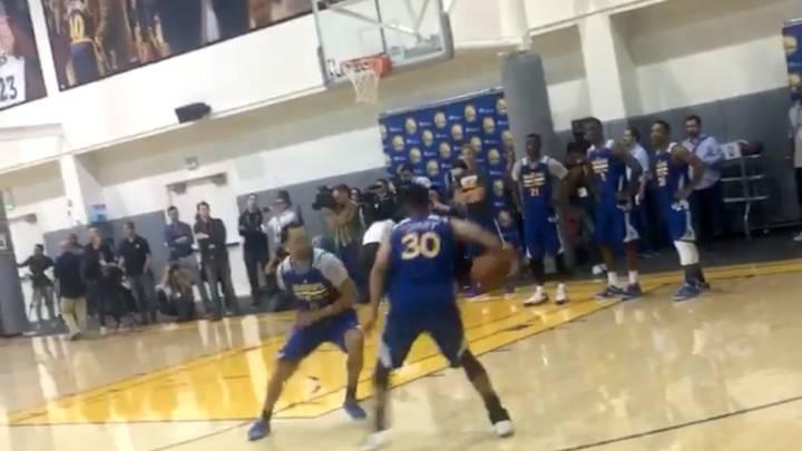 El nuevo drible de Curry para romper la cadera a sus rivales