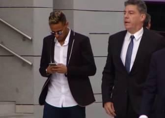La fiscalía pide al juez que procese a Neymar y su padre