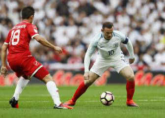 Critican a Rooney por el caño de un jugador de Malta