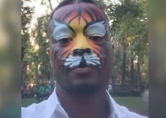 Patrice Evra no necesita filtros... ¡ya se los pinta él!