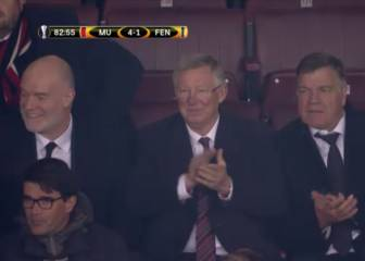 Esto es respeto: Old Trafford se pone en pie por Van Persie