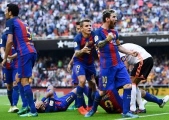 Terrible acto en Mestalla: botellazo a Neymar en el 2-3