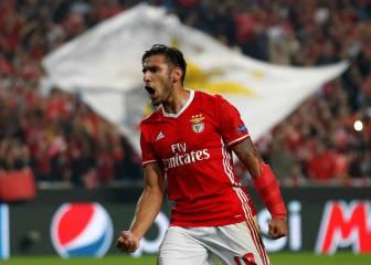 Salvio, de penalti, coloca segundo al Benfica