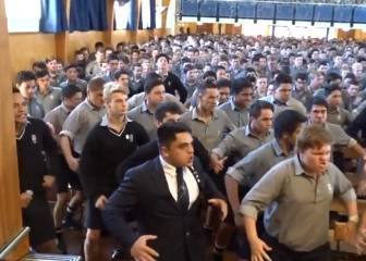 Whole school performs stunning haka for retiring teacher in NZ