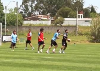Luis Suárez y su gen goleador: ¡marca hasta de portero!