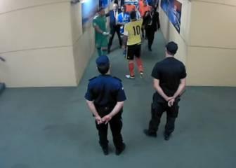 James se fue a por los árbitros en el túnel de vestuarios