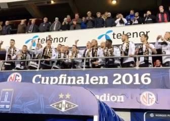 No va más en el Mannequin: el Rosenborg levantando la Copa
